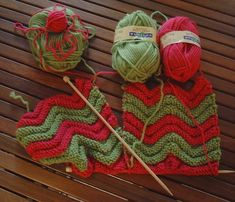 Toes heat The climate is sweet Chevrons, Knitted Slippers, Slipper Boots, One And Other, Knit Crochet, Crochet Patterns, Socks, Knitting, Sweet