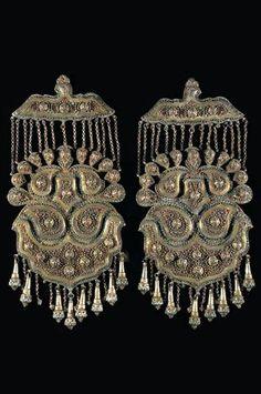 Joias Étnicas... Uzbequistão: Pingentes Bukhara em Prata dourada com vidro e Turquesa; séculos XIX / XX.