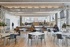 Studio O+A has implemented a nature-inspired design concept for Slack's new headquarters located in San Francisco, California. When Slack asked O+A to Terrace Building, Building Exterior, Nook Cafe, Vancouver, Office Lounge, Wall Installation, Cool Apartments, Classic Interior, Lounge Areas