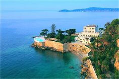Google Image Result for http://www.weddingsonthefrenchriviera.com/wp-content/uploads/2009/11/luxury-french-riviera-according-to-your-wedding-planner-2.jpg