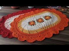 TAPETE EM CROCHÊ BELINHA - PARTE 1 - YouTube Crochet Designs, Crochet Patterns, Crochet Table Mat, Crochet Videos, Crochet Hats, Make It Yourself, Blanket, Rugs, Blog