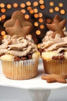 Ein Rezept für Bratapfel-Cupcakes mit Spekulatius-Cremetopping.