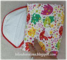 Muy prácticos para llevar en cualquier bolso.  Muy fáciles de hacer este accesorio taaaaaan usado por las mamis.    Empezamos por los ma...