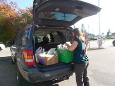 Jeannine helping to deliver Hampers to some of our clients 2015