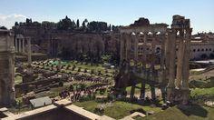 Die ewige Stadt Rom ist unwirklich schön. Da verkraftet man auch ein runterfallenes iPhone und ein stockdunkles Zimmer: http://rutisreisen.de/rom-eine-stadt-wie-ein-museum/