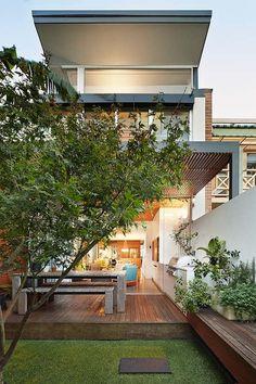 the open house - contemporary - Exterior - Sydney - elaine richardson architect Architecture Résidentielle, Contemporary Architecture, Creative Architecture, Outdoor Spaces, Indoor Outdoor, Outdoor Living, Narrow House, Open House, Patio Interior