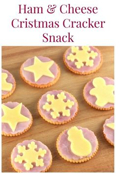 Ham & Cheese Christmas Crackers : These fun crackers make a great Christmas themed snack for kids or cute Christmas party food - quick and easy Christmas recipe for kids Christmas Recipes For Kids, Christmas Crackers, Christmas Snacks, Xmas Food, Christmas Appetizers, Christmas Cooking, Kids Christmas, Healthy Christmas Party Food, Holiday Recipes