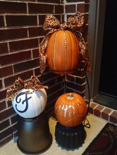 Spray paint cheap pots, paint pumpkins, burlap bow, easy, simple and elegant porch decor for Fall