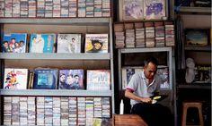 VCD Karaoke Super Ekonomis, Pembajakan yang Dilegalkan?