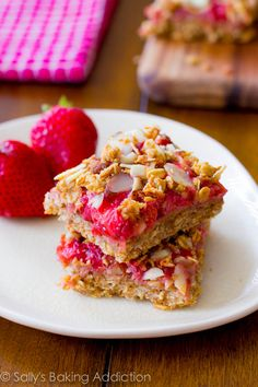 Strawberry Oat Squares are so easy to make! Gluten-free, no butter and no oil!