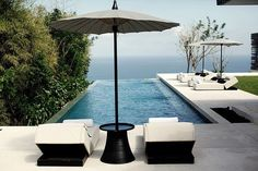 Alila Villas Uluwatu is a Wedding Venue in Bali, Indonesia. See photos and contact Alila Villas Uluwatu for a tour. Bali Luxury Villas, Alila Villas Uluwatu, Luxury Swimming Pools, Luxury Pools, Beach Resorts, Hotels And Resorts, Table Commune, Resort Bali, Pool Landscaping