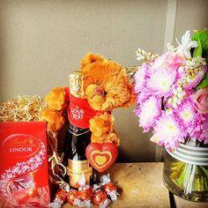 Looking for a gift pack? We have gifts starting from $55. Find them under gift packs. Website link in bio ! 😆 #sydneyflorist #sydneyflowers #giftsformum #giftsforher#sydneyevents #mothersday #events #corporategifts #eventflowers #weddings #weddinginspiration #weddingflowers #weddingstyling #sydneybride #sydneywedding #beautiful #flowers #corporategifts #corporateflorist #corporateevents #styling #nature #romance  #instalove #instapassion #gifts #sydneylife #sydneylifestyle #sydneysummer…