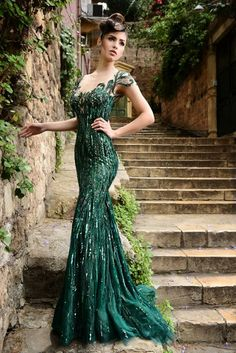 Beautiful emerald green dress by Rami Salamoun perfect for any red carpet event!