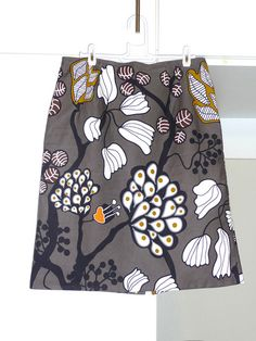 This skirt using this Ikea fabric! Ikea Fabric, Fabric Blinds, Sewing Clothes, Diy Clothes, Clothes For Women, Fabric Patterns, Sewing Patterns, Sewing Crafts, Sewing Projects