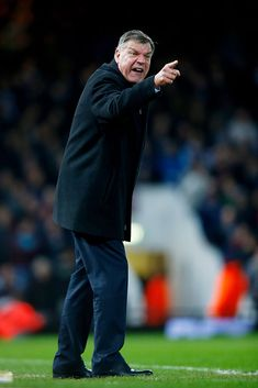 LONDON, ENGLAND - MARCH 04: Sam Allardyce the West Ham manager reacts during the Barclays Premier League match between West Ham and Chelsea at the Boleyn Ground on March 4, 2015 in London, England. (Photo by Clive Rose/Getty Images)