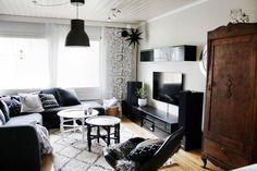 Livingroom // vardagsrum // home // tine k home // carpet // design by // hiuse doctor // gammalt skåp // marrakesh // olohuone //