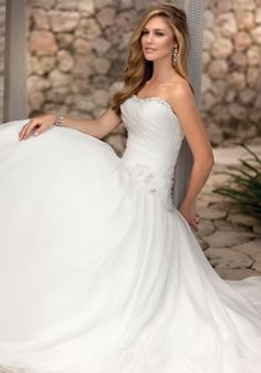 love the whimsical look to this dress