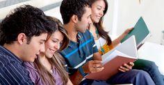 Belirlediğiniz hedefe uygun, yabancı dil kursu çalışma programı seçiminin eğitime katkısı. Okullarda zorunlu olarak okutulan yabancı dil derslerinde ülkemizin sahip olduğu karne maalesef son derece zayıftır. Sürekli değişen ve bir yapboz tahtasına dönen eğitim sistemi içinde bir ders olarak görülen dil öğrenilmeye çalışılmakta ancak edinilememektedir. Belirlediğiniz hedefe uygun çalışma programı seçimi nin dil eğitimine katkısını görmek