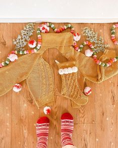 Cosy Winter, Gingerbread Cookies, Thrifting, Christmas Diy, Stockings, Fur, Boho, Sweater, Gingerbread Cupcakes
