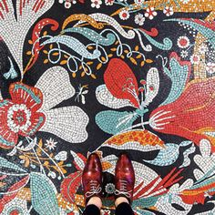 Catchy Mosaic Floor Ideas For Home Interior 35 Tile Art, Mosaic Art, Mosaic Tiles, Mosaics, Mosaic Floors, Tiling, Floor Patterns, Tile Patterns, Textures Patterns