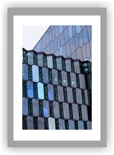 ISLAND - REYKJAVIK    Hafen - Konzerthaus Harpa