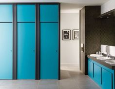 Your #Bathroom Doesn't Have to Be Boring - This elegant #restroom, with its contrast of colors and stunning décor, excels in both function and privacy. An #expert_contractor can make good recommendations and install the accessories you need.