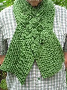 FREE Ravelry: Celtic Knot Looped Scarf pattern by Patricia Everett All Free Knitting, Easy Knitting, Knitting Stitches, Knitting Patterns Free, Free Pattern, Scarf Knots, Loop Scarf, Crochet Scarves, Knit Crochet
