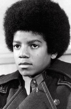 Michael Jackson - Cuteness in black and white ღ by ⊰ Mike Jackson, Paris Jackson, Jackson Family, Michael Jackson Fotos, Sky Go, King Of Music, Joseph, The Jacksons, Motown