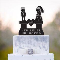 Gamer Wedding Cake, Funny Wedding Cake Toppers, Unique Cake Toppers, Geek Wedding, Personalized Cake Toppers, Themed Wedding Cakes, Mr And Mrs Wedding, Video Game Wedding, Wedding Games