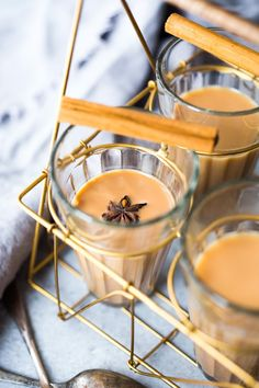 How to make authentic Masala Chai, like in India, using whole spices. Vegan and Sugar Free adaptable. Masala Chai, Tea Recipes, Indian Food Recipes, Thai Noodle Salad, Chai Tea Recipe, Alcohol Drink Recipes, Molasses Cookies, Coffee Drinks, A Table
