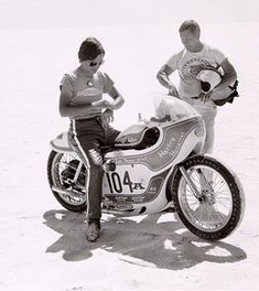"Leo Payne became the first person to reach over 200 mph with a non-streamliner in 1969 on his 1957 Ironhead called the ""Turnip Eater"". History of the Harley-Davidson Sportster: Lowbrow Customs"