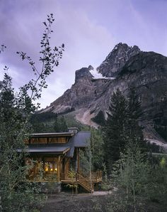 ✯ Mountain Home At Dusk