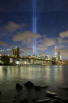 This is the view from behind the Brooklyn Bridge. | 14 Stunning Pictures Of The 9/11 Tribute In Light