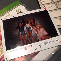 Your source of news on YG's biggest girl group, BLACKPINK! Kpop Girl Groups, Korean Girl Groups, Kpop Girls, Kim Jennie, Yg Entertainment, Lisa Park, Pre Debut, Blackpink Members, Polaroid Photos