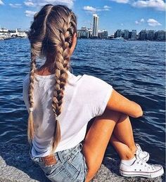 Beautiful hair, beautiful view Happy friday lovelies! Be sure to tag your #luxyhair and hairstyle photos for a chance to be featured on our feed Photo by @olgasoroka