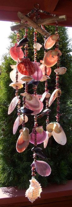 The Wind Chimes are a beautiful decorative element for the garden. - The Wind Chimes are a beautiful decorative element for the garden. Seashell Wind Chimes, Diy Wind Chimes, Seashell Art, Seashell Crafts, Beach Crafts, Diy And Crafts, Unique Wind Chimes, Seashell Garland, Seashell Ornaments