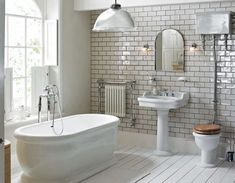 TOP 10 Stylish Bathroom Design Ideas One of the most stunning bathrooms with a large bath tub, a basin with a full length pedestal and a close compact toilet with soft close seat Traditional Bathroom Suites, Heritage Bathroom, Victorian Bathroom, Victorian Toilet, Modern Victorian, Edwardian House, Beautiful Bathrooms, Small Bathrooms, Vintage Bathrooms