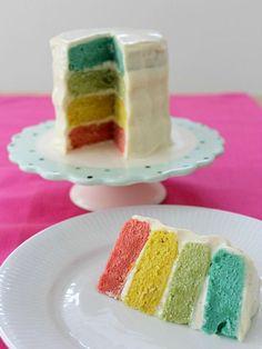 I dag er det bloggens 1 års fødselsdag! Og det skal da fejres med kage. For et år siden kom det første indlæg på ellevild madblog, det var Grøn karry og kylling i kokosmælk.I løbet af året har jeg…