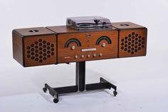Brionvega Italia - Pier Giacomo e Achille Castiglioni Radiofonografo modello RR126