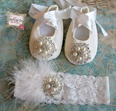 Baby Girl OFF WHITE Lace Crib Shoes and headband set, ,Baby Shoes,Christening, Baptism, Wedding, Ready to ship
