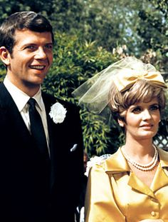 Carol & Mike on The Brady Bunch  The wedding on the very first episode of The Brady Bunch was how they became The Brady Bunch! Carol looked beautiful in that yellow dress, not white since it was her second wedding and in the more traditional 1969.