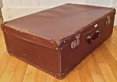 Antiqutié. Collection. Magnfique valise de grand format.