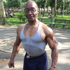 This is Gene. I met him in the park today. He is 72 years old. Insane and amazing!!! #NoExcuses #Inspiration #LiveLife (ps. He works out every day and eats healthy)