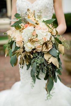 Lush gold bouquet via Glamour & Grace Metallic Wedding Theme, Gold Glitter Wedding, Gold Wedding Colors, Fall Wedding Flowers, Mod Wedding, Green Wedding, Elegant Wedding, Floral Wedding, Metallic Weddings
