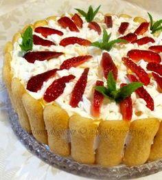 Torta tiramisu alle fragole - ricetta dolce fresco estivo
