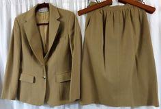 Evan Picone Beige Wool Skirt Suit 10 Classic Vintage #EvanPicone #SkirtSuit