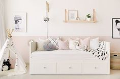 40 Cute Bedroom Decor Ideas for Girls 40 Sweetest Bedding Ideas For Girls' Bedrooms Decor 15 Cute Bedroom Decor, Pretty Bedroom, Ikea Bedroom, Shabby Bedroom, Warm Bedroom, Bedroom Dressers, Ikea Daybed, Daybed Room, Nursery Daybed