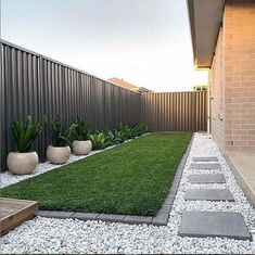 41 Perfect Small Backyard Garden Design Ideas To Look Spacious