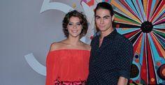 Isabella Santoni e Rafael Vitti vão juntos à festa da Globo