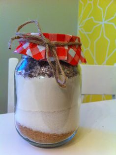 DIY a gift Pudding, Desserts, Gifts, Diy, Food, Tailgate Desserts, Deserts, Presents, Bricolage